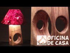 Abajur com madeira reciclada