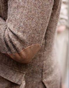 Tweed, herringbone, and elbow pads Fashion Moda, Look Fashion, Mens Fashion, Fashion Details, Style Blog, My Style, Prep Style, Club Monaco, Mode Masculine