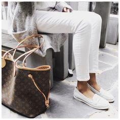 N comme le classique Neverfull de Louis Vuitton www.leasyluxe.com #fashion #beauty #lifestyle #leasyluxe
