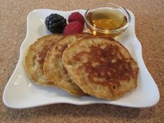 Whole Wheat Oat Pancakes on Weelicious did the banana dipped version and added vanilla and cinnamon to the batter. These are awesome by far the best whole wheat pancakes I've ever made. Whole Wheat Pancakes, Oatmeal Pancakes, Pancakes And Waffles, Pancakes Easy, Breakfast Dishes, Breakfast Recipes, Pancake Recipes, Breakfast Time, Breakfast Ideas