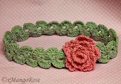 Crochet Flower Headband By Wendy Korz - Free Crochet Pattern - (xmangorose.blogspot) More