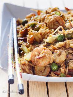 Riso saltato gamberi e verdure Wine Recipes, Asian Recipes, Cooking Recipes, Healthy Recipes, Ethnic Recipes, Finger Food Appetizers, Appetizer Recipes, Wok, Sushi