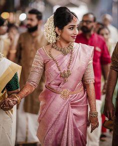 Designers Wedding Sarees - Designers Wedding Sarees Source by lorahrochmodetrends - Kerala Wedding Saree, South Indian Wedding Saree, Kerala Bride, Indian Bridal Sarees, Bridal Silk Saree, Indian Bridal Outfits, Indian Bridal Fashion, Saree Wedding, South Indian Sarees