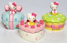 Hello Kitty Gifts, Sanrio Hello Kitty, Aesthetic Room Decor, Pink Aesthetic, Sanrio Characters, Art Memes, Plushies, Cute Cats, Art Projects