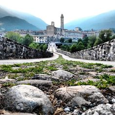 Due passi sul #pontegobbo a #bobbio - Instagram by @EllyElly76