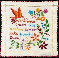Lenço dos namorados (Portugal)old tradition in Portugal. Single girls embroidered handkerchiefs with thoughtful phrases for them to offer a young single man that they liked. If he accepted the handkerchief, was a sign that he accepted the courtship. Cross Stitch Embroidery, Embroidery Patterns, Hand Embroidery, Simple Embroidery, Machine Embroidery, Kitsch, Portuguese Wedding, Portuguese Culture, Old And New