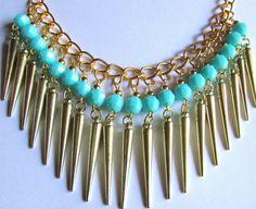 Maravilloso collar para combinar con con el mejor look que se te ocurra