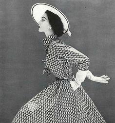 1952 Dovima, photo by Stephen Calhoun