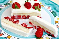 Semifreddo mascarpone e fragole morbido ricetta il mio saper fare Pumpkin Lasagna, Appetizer Buffet, Fresh Cake, Torte Cake, Bakery Cakes, Ice Cream Recipes, Cheese Recipes, Cake Cookies, Sweet Recipes