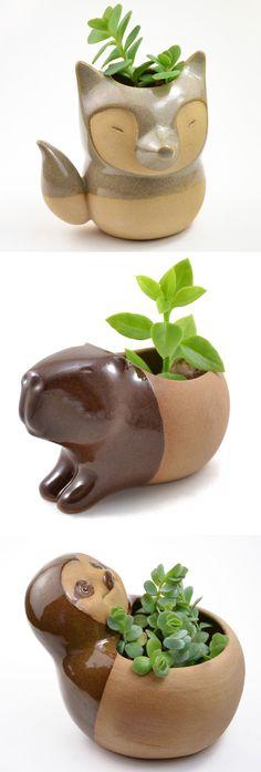 Cute animal planters by Cumbuca Chic ceramics | illustrated ceramics | animal planters