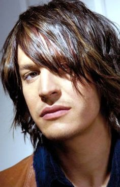 New Long Hairstyle For Men 2012 .03