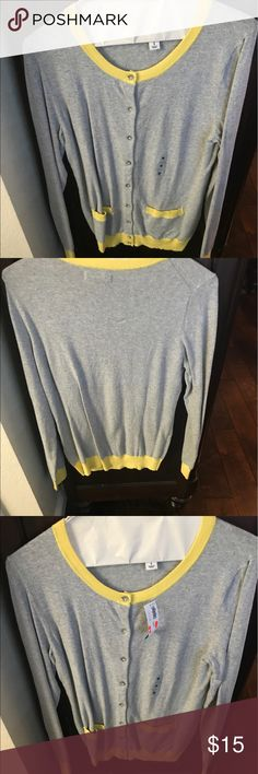 NWT Old Navy Gray with Yellow Trim Cardigan Super cute cardigan with two-tone colors of gray & yellow! Cute pockets and new with tags! Old Navy Sweaters Cardigans
