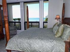 Direct Beachfront unit with fabulous sunsets and beautiful water and beach views.
