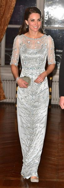 Kate Middleton Sequin Dress - Kate Middleton looked breathtaking in a floral-sequined ice-blue gown by Jenny Packham while attending a dinner at the British Embassy in Paris. Princess Kate, Kate Middleton Look, Kate Middleton Wedding, Duke And Duchess, Duchess Of Cambridge, Vestidos Color Plata, Beautiful Dresses, Nice Dresses, Style Royal