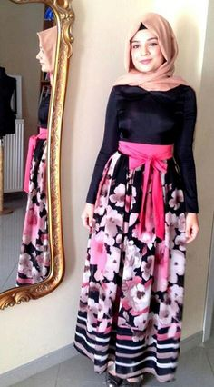 Hijab  muslimah fashion inspiration-- like this maxi skirt :)