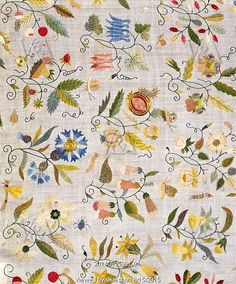 Embroidered cover with floral motifs. Linen and silk. England, 1600-25.