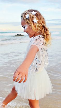 Our Shooting Star Hairclip is crafted from a shimmering silver sequin-embellished star that is the perfect addition to any outfit. A fabulous hair accessory for all little stars in the making! www.tutudumonde.com
