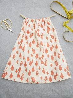 Clothes are doing today musselin kleid Clothes are doing today Pantalon Cargo, Little Dresses, Baby Dress, Knit Dress, Kids Fashion, Vogue, Summer Dresses, Knitting, Stylish