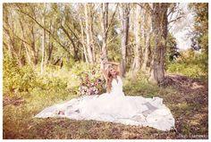 suknia ślubna, stylizacja i kwiaty