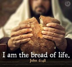 Maundy Thursday images of Jesus Christ who is doing his last supper. The quote picture says.I am the bread of life. Holy Thursday Quotes, Good Friday Quotes, Maundy Thursday Images, Maundy Thursday Quotes, Holy Friday, Easter Religious, Jesus Is Coming, Eucharist, Picture Quotes