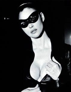 Monica+Bellucci+9yo1_r1_500.jpg (486×627)