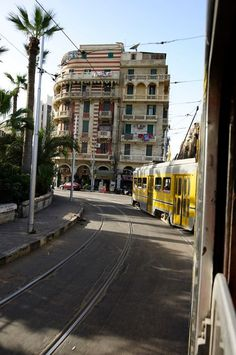 Tram in Alexandria, Egypt Cairo, Life In Egypt, Modern Egypt, Ancient Egypt History, Alexandria Egypt, Thinking Day, North Africa, Luxor, Travel Around The World