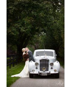 Old World Wedding: photo idea, fur and car