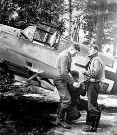 Messerschmitt Bf of Werner Molders III./JG 53 Gruppenkommandeur, May 1940 Luftwaffe, German Soldiers Ww2, German Army, Military Photos, Military History, Ww2 Aircraft, Military Aircraft, Flying Ace, Ww2 Planes