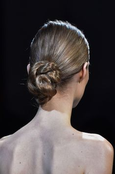 View all the photos of the beauty & make-up at the Elie Saab haute couture fall 2014 showing at Paris fashion week. Braided Hairstyles, Cool Hairstyles, Knot Bun, Runway Hair, Long Blond, Cute Haircuts, Elie Saab Fall, Elie Saab Couture, Hair Strand