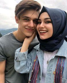 Cute Couple Selfies, Cute Couple Images, Cute Couple Videos, Cute Love Couple, Couples Images, Cute Muslim Couples, Muslim Girls, Cute Couples Goals, Muslim Couple Photography