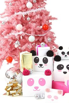 Panda Gift Wrap DIY // How to Wrap Your Presents