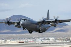 "Lockheed Martin C-130J-30 Hercules II RNoAF 5601 ""Frigg"" 135 Luftwing, 335 skv - Oslo/Gardermoen"