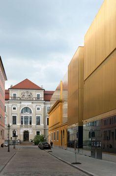 Münchner Lenbachhaus wiedereröffnet / Nicht Gold, nicht Kupfer, sondern Messing - Architektur und Architekten - News / Meldungen / Nachrichten - BauNetz.de