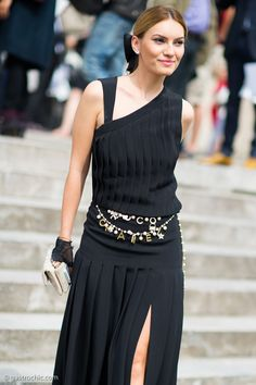 LBD and Chanel belt outside Chanel. So chic and so clean. #PFW