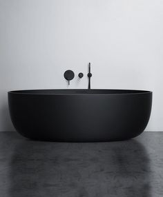 Charming Black Bathtub Design Ideas With Gothic Influence That You Need To Have