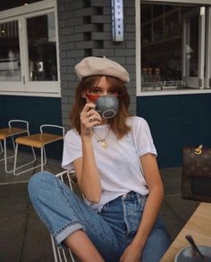 The Summer Jean Outfits We Swear By The summer jeans outfits we wear on repeat Paris Outfits, Mode Outfits, Casual Outfits, Summer Outfits, Fashion Outfits, Jeans Fashion, Ladies Fashion, Womens Fashion, Fashion Ideas