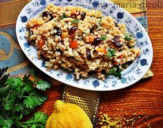 Salata de cuscus cu merisoare Fried Rice, Fries, Ethnic Recipes, Food, Salads, Hoods, Meals, Nasi Goreng, Stir Fry Rice