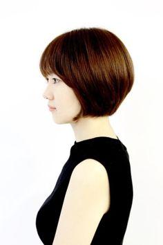 에스더실장 포인트 있는 보브컷단발 세련된 단발머리스타일 : 네이버 블로그 Short Bob Hairstyles, Pixie Haircut, Short Hair Styles, Hair Cuts, Hair Beauty, Blog, Women, Medium, Fashion