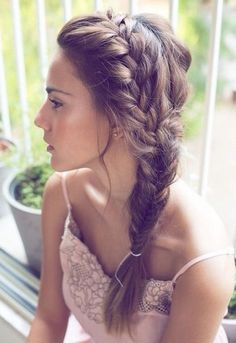 Chic Side Braid Hairstyles Side Braid Hairstyles for Long Hair: So Gorgeous for the Summer Bride!Side Braid Hairstyles for Long Hair: So Gorgeous for the Summer Bride! Side Braid Hairstyles, Pretty Hairstyles, Hairstyle Ideas, Hairstyles 2018, Everyday Hairstyles, Hairstyle Braid, Brunette Hairstyles, Hairstyle Wedding, Hair Wedding