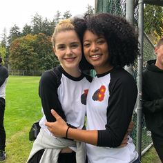 Image discovered by 《Anaís》. Find images and videos about netflix, sabrina and caos on We Heart It - the app to get lost in what you love. Archie Comics, Sabrina Costume, Sabrina Cast, Jaz Sinclair, Netflix Us, Kiernan Shipka, Sabrina Spellman, Female Fighter, Film Serie