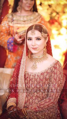 Bridal Photoshoot, Bridal Outfits, Bridal Looks, Wedding Jewelry, Pakistan, Brides, Weddings, Red, Beautiful