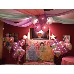 Disney Princess Birthday Party Ideas and Crafts Princess Theme Party, Disney Princess Birthday, 4th Birthday Parties, Girl Birthday, Birthday Ideas, Princesse Party, Princesas Disney, Birthday Decorations, Party Time