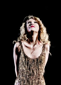 ImageFind images and videos about beautiful and Taylor Swift on We Heart It - the app to get lost in what you love. Taylor Swift Fearless, Taylor Swift Speak Now, Taylor Swift Concert, Taylor Swift Album, Taylor Swift Style, Taylor Alison Swift, Live Taylor, Divas, Taylor Swift Pictures