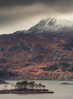 Assynt! - Scotland! Beautiful Places To Visit, Great Places, Places To Travel, Places To Go, Landscape Photography, Nature Photography, Scottish Highlands, Scotland Travel, Mountaineering