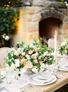 Intime Sommerhochzeit auf der San Ysidro Ranch - Home Page Barn Wedding Centerpieces, Wedding Table Decorations, Wedding Table Settings, Floral Centerpieces, Flower Arrangements, Table Arrangements, Wedding Tables, Party Centerpieces, Floral Wedding