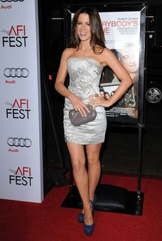 """Kate Beckinsale Photos - AFI FEST 2009 World Premiere of """"Everybody's Fine"""".Grauman's Chinese Theatre, Hollywood, CA.November - World Premiere of """"Everybody's Fine"""" Underworld Kate Beckinsale, Kate Beckinsale Hot, Kate Beckinsale Pictures, Pearl Harbor, British Costume, Beautiful Actresses, Beautiful Celebrities, Kate Hudson, Womens Fashion"""