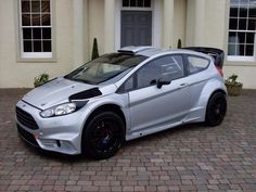 Buying A Car? Shopping for a car can be an extremely stressful experience. Ford Sport, Ford Rs, Car Ford, Ford Fiesta Modified, Modified Cars, Ford Fiesta St, Sweet Cars, Rally Car, Ford Focus