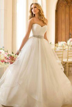 fotos com vestidos de noivas tomara que caia