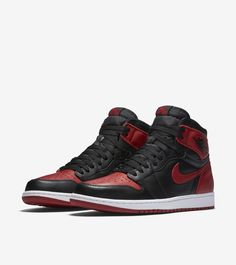 Insider access to the Air Jordan 1 'Banned'. Explore, buy and stay a step ahead of the latest sneaker drops. Air Jordan Retro, Air Jordan Shoes, Michael Jordan, Zapatos Nike Jordan, Air Jordans, Nike Shoes, Sneakers Nike, Fashion Shoes, Mens Fashion