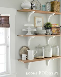 it has that warm homey feeling Benjamin Moore Grey Owl.always looks great with white trim + bamboo blinds {rooms FOR rent} Glass Wall Shelves, Kitchen Shelves, Open Shelves, Ikea Hacks, New Kitchen, Kitchen Decor, Kitchen Ideas, Kitchen Upgrades, New Paint Colors
